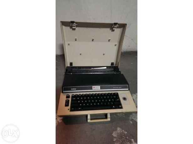 Maquina de escrever brother electronic 8300