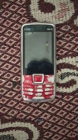 Номі планшет і телефон