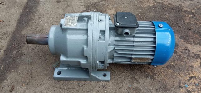 мотор редуктор электродвигатель 2.2 кВт електродвигун