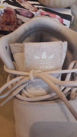 Оригінальні  Adidas 37 розмір Англія