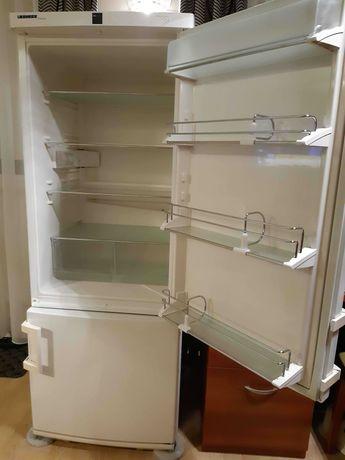 Sprzedam używaną lodówkę Liebherr Premium 161cm