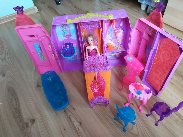 Sprzedam domek/ zamek dla lalek barbie