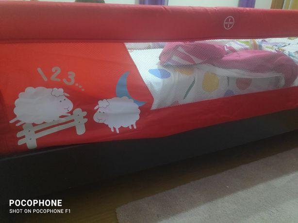 Vendo proteção de cama para bebé