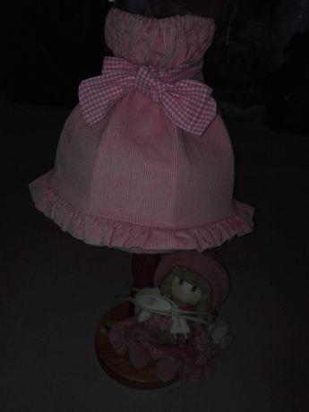 Vendo candeeiro com boneca
