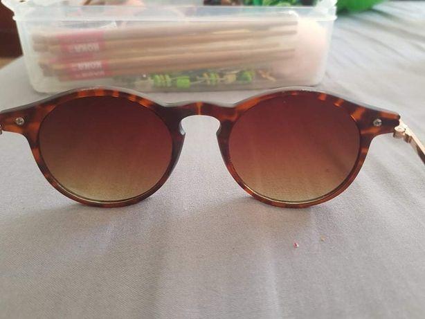 Óculos castanhos