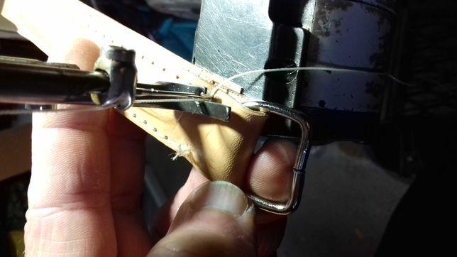 Reparação de artigos de couro, carteiras, pastas e marroquinaria.