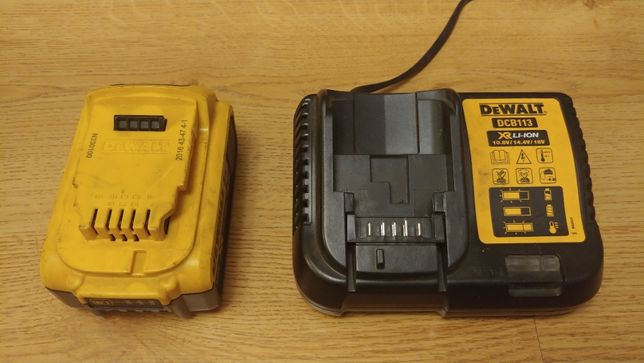 De Walt Ładowarka DCB 113 i akumulator DCB 184