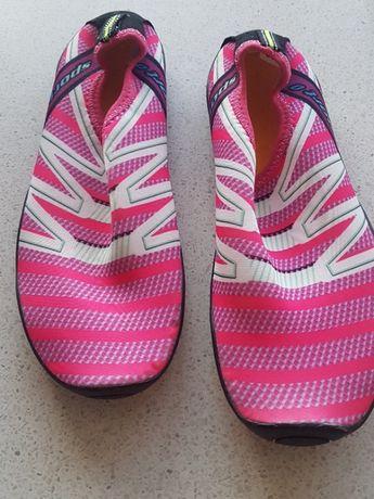 Аквашузы/кроссовки/тапочки/обувь для пляжа и плавания.