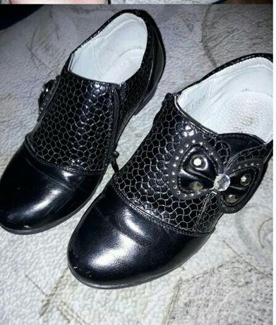 Продам туфлики для девочок