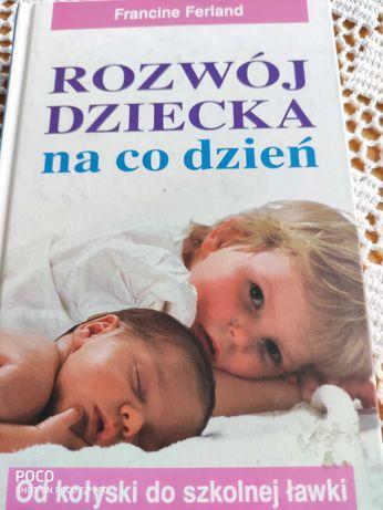 """Książka """"Rozwój dziecka na co dzień"""""""