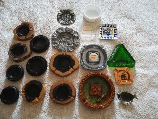 Colecção de Vários Cinzeiros