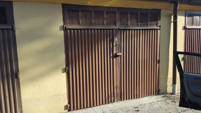 Brama garazowa dwuskrzydlowa