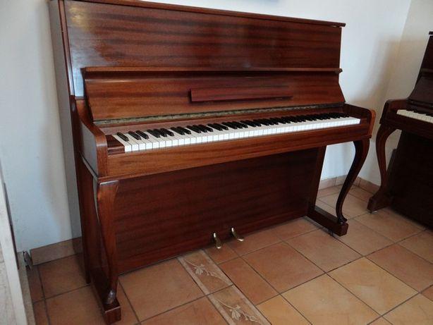 Pianino firmowe Lofbergs