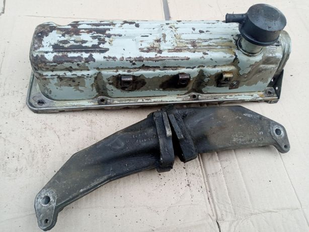 Клапанная крышка Форд Сиера Скорпио ОНС Лапа мотора