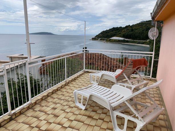 Дом в Хорватии на берегу 260 м² 3 этажа Makarska Riviera