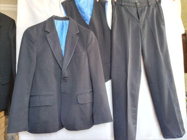 Школьная форма костюм тройка на мальчика 140р