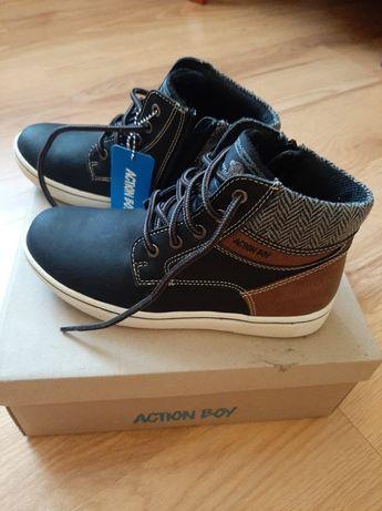 Nowe buty jesienno-zimowe rozm.34