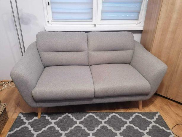 Sprzedam szarą sofę