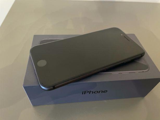 iPhone 8 64 GB (bez ładowarki)