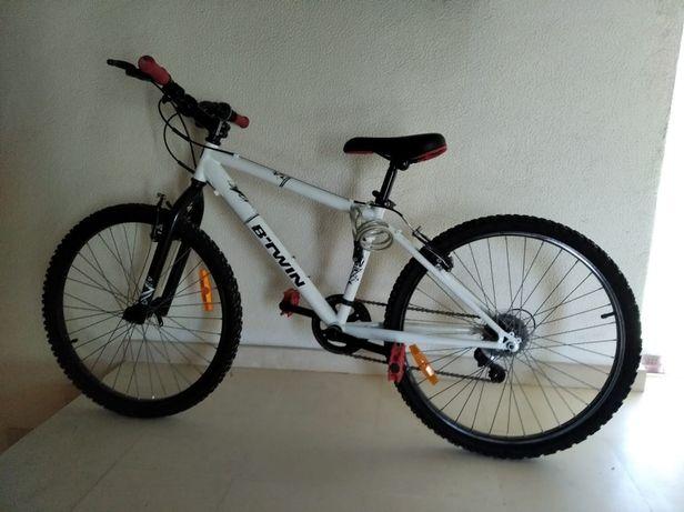 """Vendo bicicleta para jovem roda """"24"""""""