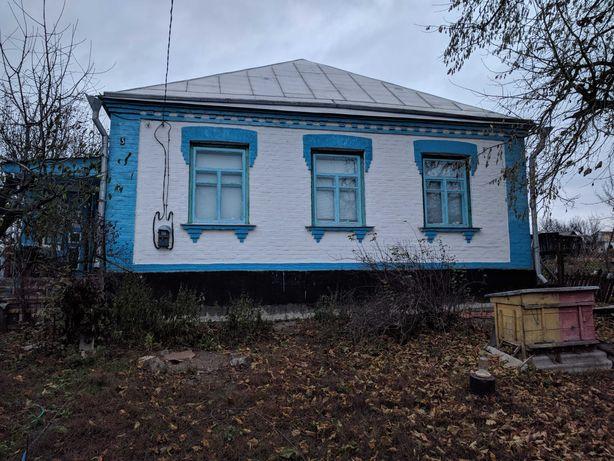 Будинок у центрі с.Підвисоке Новоархангельський р-н