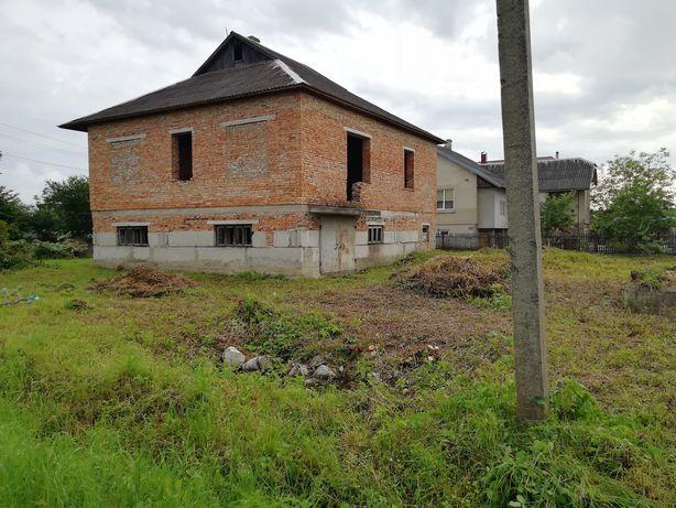 2-ох поверховий будинок в селі Перевозець
