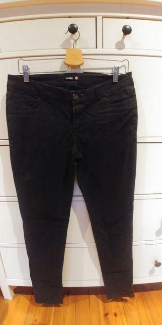 Czarne jeansy Sinsay rozm.L