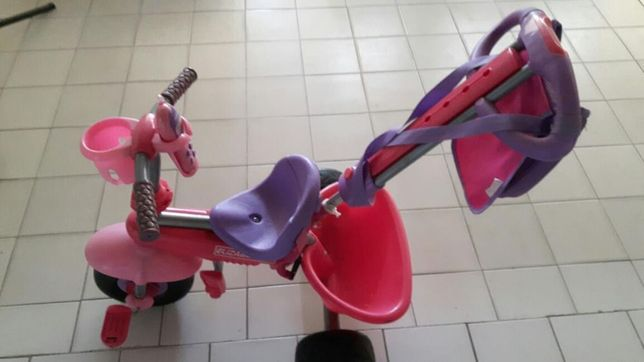 Triciclo com protecção de sol