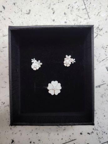 Серебряный набор (кольцо 16-16,5 размера + серьги) с белой эмалью