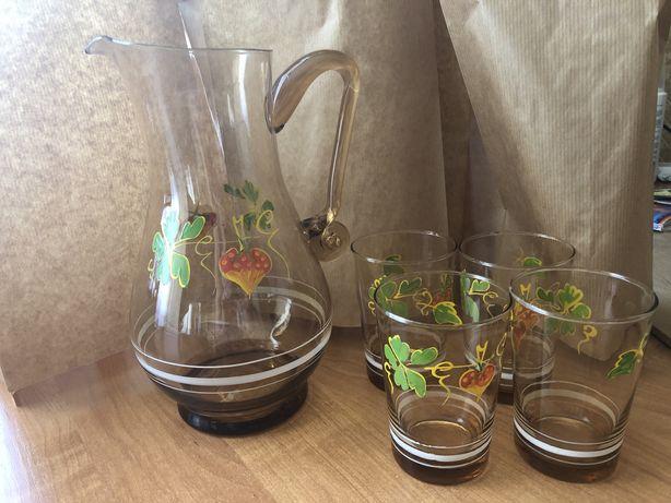Kubeczki szklanki  dzbanek szklane