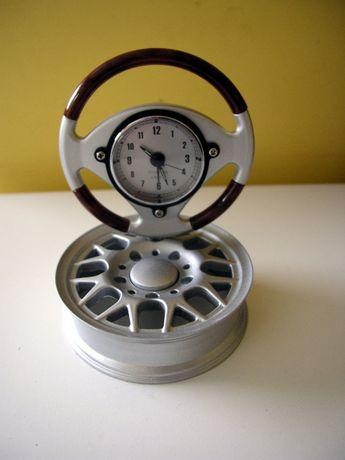 Zegar gadżet samochodowy, motoryzacyjny na feldze, zmianie biegów