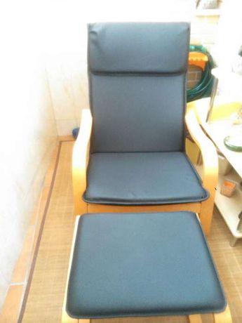 Cadeira de baloiço com suporte de pés