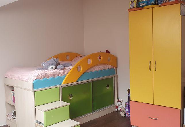Ліжко і шафа дитячі