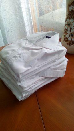 Білі рубажки для хлопчиків.