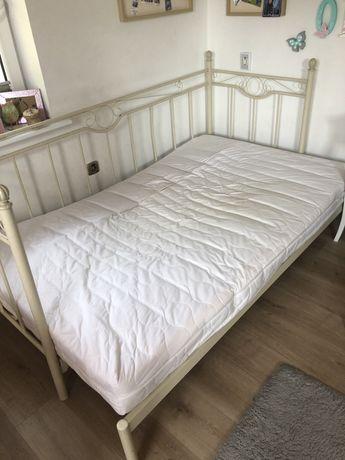 Łóżko metalowe rozkładane z materacem