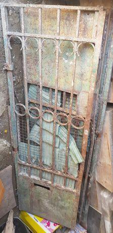 Portao entrada ferro antigo exterior
