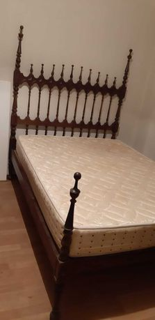 Cama de casal e 2 móveis de sala