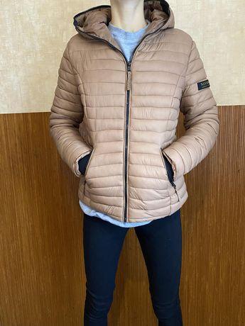 Женская демисезонная тёплая куртка.