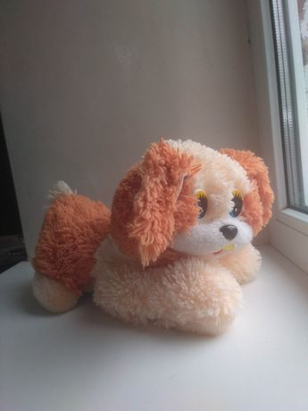 Пес плюшевий