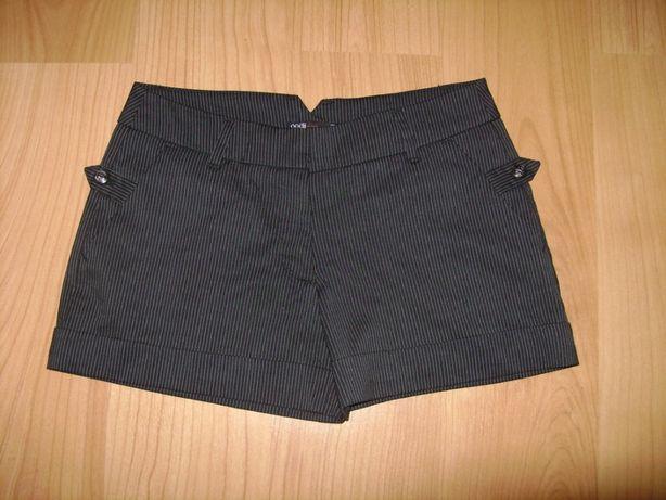 Продам новые школьные шорты из магазина Oodji на рост 158-164