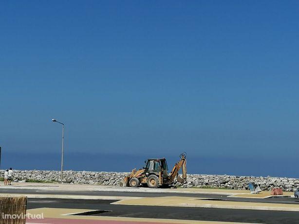 Terreno Nazaré frente mar