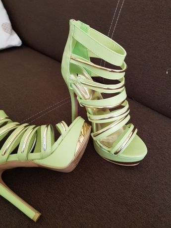 Szpilki sandały