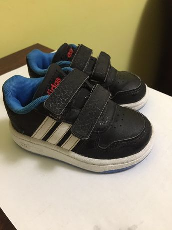 Кросівки adidas осінні
