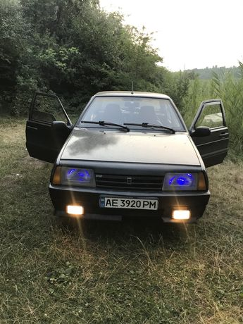 Хороший автомобиль ВАЗ 21099