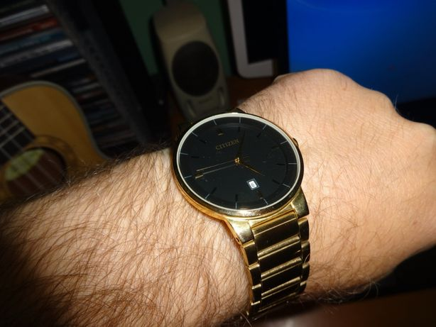 Золотий годинник CITIZEN