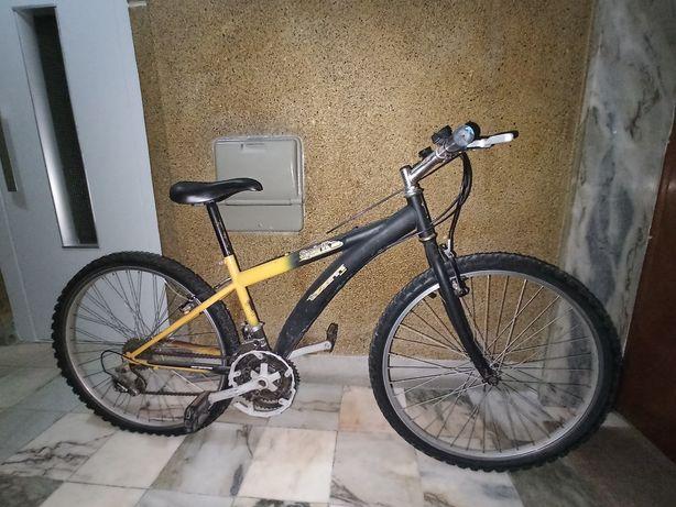 Vendo 2 Bicicletas para arranjar/peças