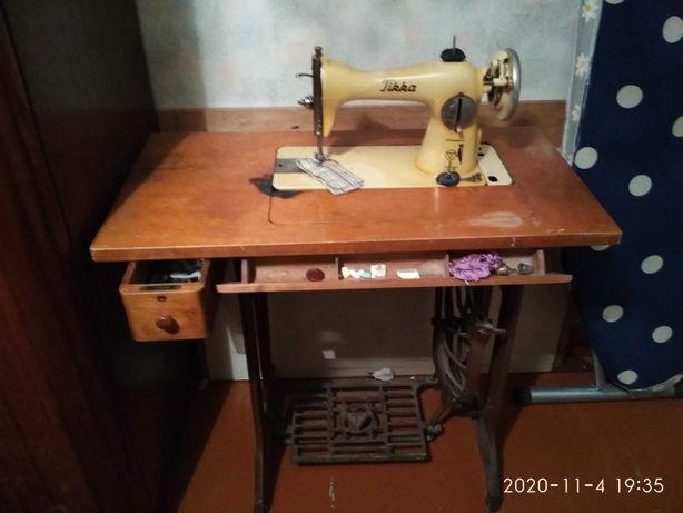 Ножная финская швейная машинка Tikka