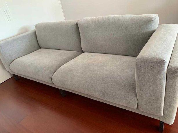 Sofa IKEA Nockeby (3 lugares, 251cms), 3 meses de uso.