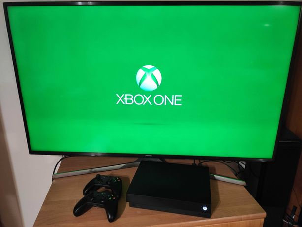 Xbox one x + dwa pady i gry