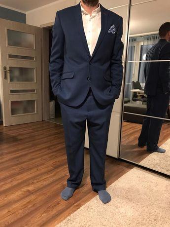 Sprzedam super prawie nowy garnitur Roberto. Dwa razy założony
